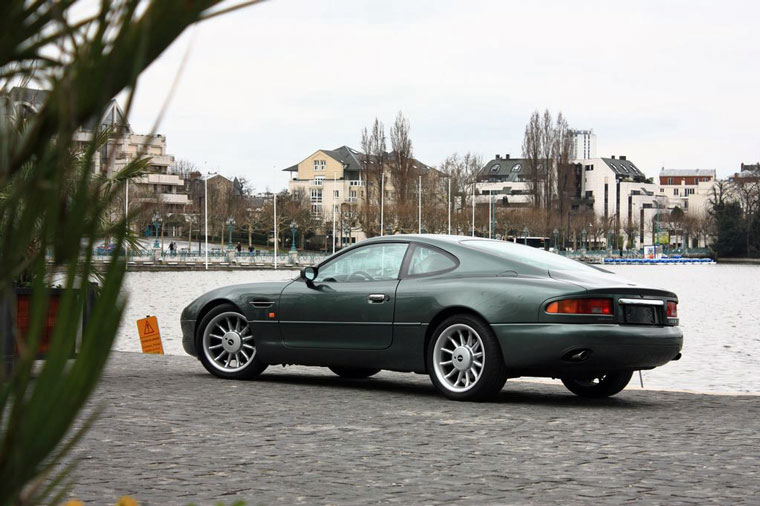 aston martin db7 1994 2000 guide occasion. Black Bedroom Furniture Sets. Home Design Ideas
