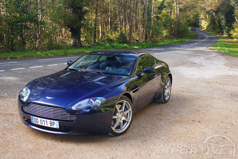 aston martin v8 vantage 4 3l 2005 2008 guide occasion. Black Bedroom Furniture Sets. Home Design Ideas