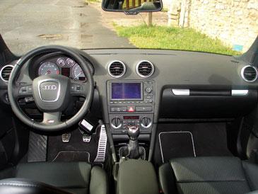 Audi s3 8p 2 0 tfsi 265 ch 2006 essai for Interieur audi a3 2006