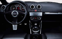Audi tt quattro 1999 2006 essai for Interieur tt 2000