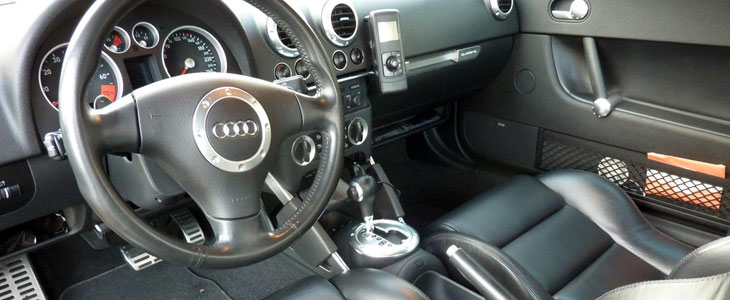 Audi tt v6 3 2 dsg 2003 2006 essai for Interieur tt 2000