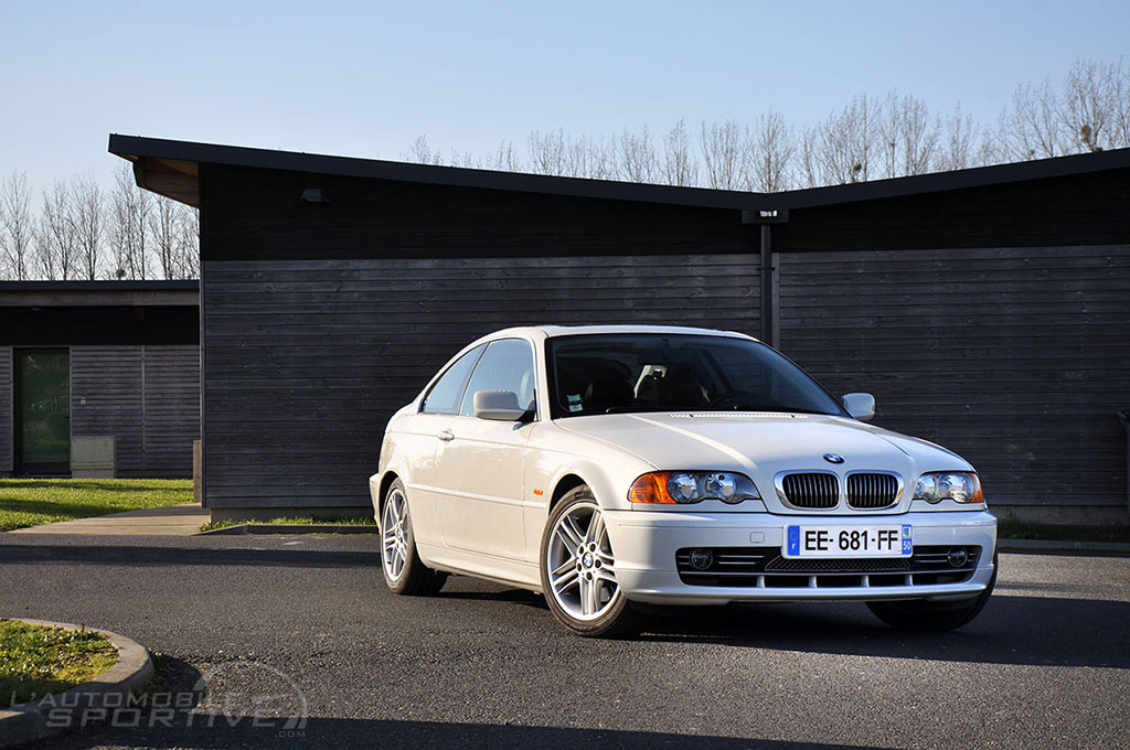 bmw s rie 3 e46 330 ci 2000 2006 guide occasion. Black Bedroom Furniture Sets. Home Design Ideas