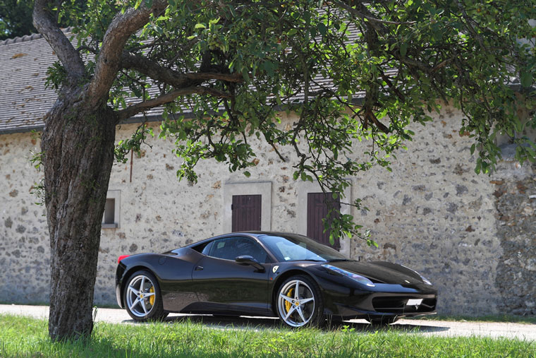 prix pneu ferrari 458 id es d 39 image de voiture. Black Bedroom Furniture Sets. Home Design Ideas