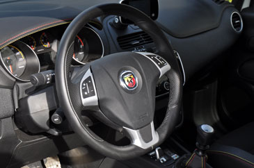 fiat punto evo abarth 1 4 multiair 2010 essai. Black Bedroom Furniture Sets. Home Design Ideas