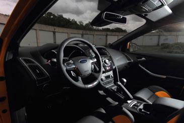 a lintrieur de la nouvelle ford focus st la qualit de fabrication nest pourtant pas la hauteur dun vhicule vendu 37315 dans la configuration de