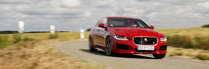 jaguar xe s v6 3 0l 2015 essai. Black Bedroom Furniture Sets. Home Design Ideas