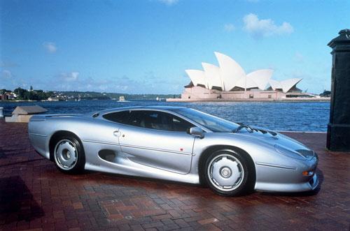 http://www.automobile-sportive.com/guide/jaguar/xj220/xj220.jpg