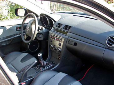 interieur mazda 3 mps