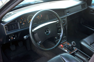 Mercedes benz 190 e 2 5 16 evolution 2 1990 1991 collector for Interieur mercedes 190d