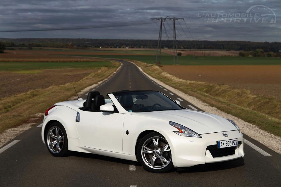 nissan 370z roadster 2010 essai. Black Bedroom Furniture Sets. Home Design Ideas