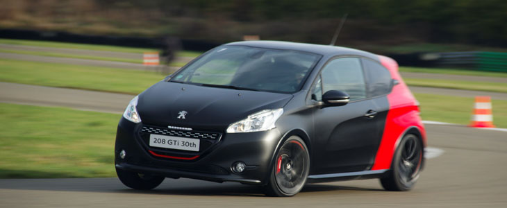 peugeot 208 gti 30th 2014 essai. Black Bedroom Furniture Sets. Home Design Ideas