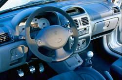Renault clio 2 rs 2 0 16v 2000 2001 essai for Interieur clio 2000