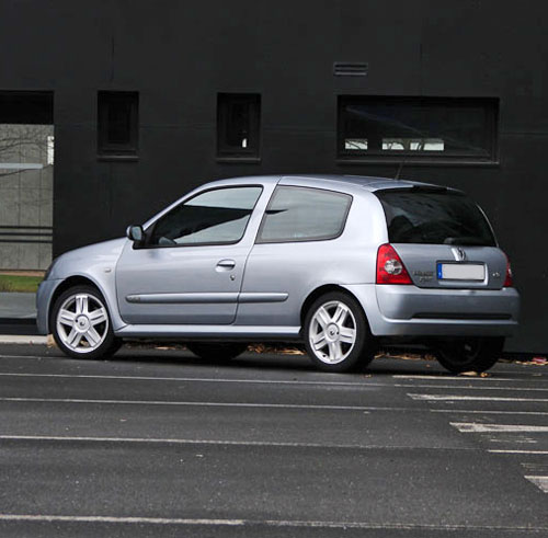 Renault Clio 2: 2001 Renault Clio II Sport Phase 2 Related Infomation