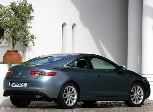 renault laguna 3 coup v6 4rd 2008 essai. Black Bedroom Furniture Sets. Home Design Ideas