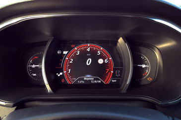 Renault megane 4 gt tce 205 2015 essai for Interieur nouvelle megane