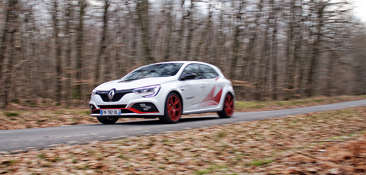 essai renault megane 4 rs trophy-r 300 ch pack carbon-ceramic record