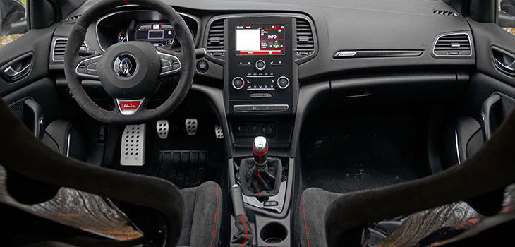 interieur renault megane 4 rs trophy-r 300 ch pack carbon-ceramic record
