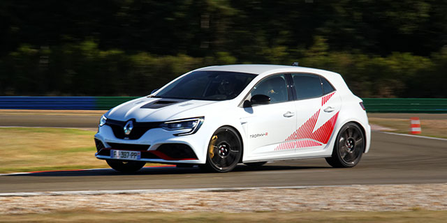 ESSAI RENAULT MEGANE (4) RS Trophy-R Pack Carbon-Ceramic
