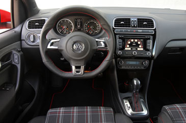 Volkswagen polo 5 gti 1 4 tsi 180 ch 2010 essai for Golf 5 interieur 2008