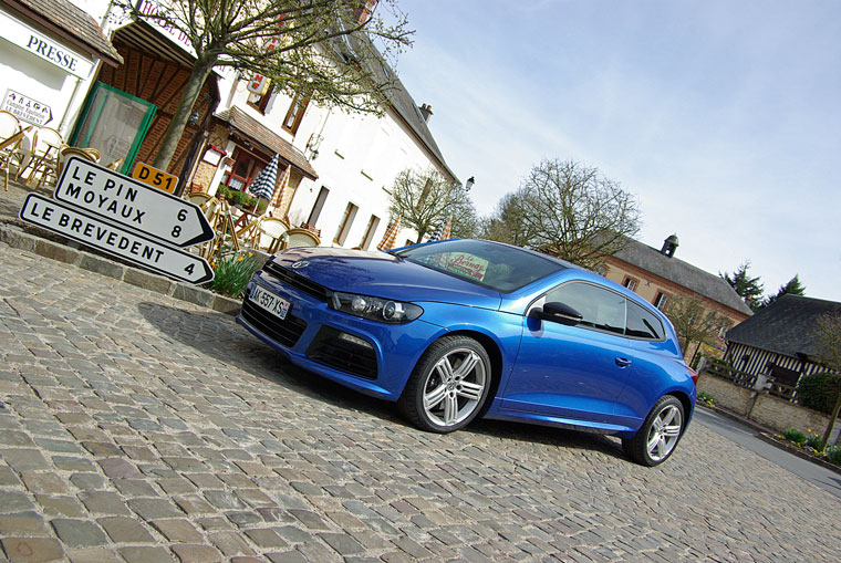 volkswagen scirocco r 2010 essai. Black Bedroom Furniture Sets. Home Design Ideas
