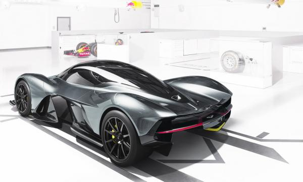 Un V12 6.5L Cosworth pour l'Aston Martin AM-RB 001