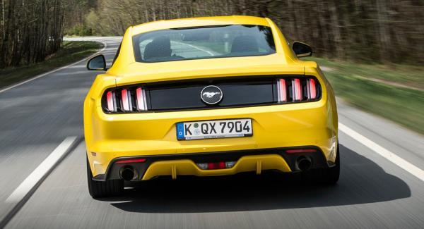 La ford mustang reste la voiture de sport la plus vendue - Image de voiture de sport ...