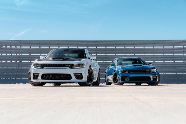 Dodge Charger Scat Pack et SRT Hellcat Widebody