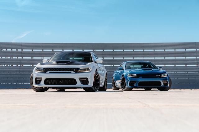 Dodge Charger Scat Pack et SRT Hellcat Widebody