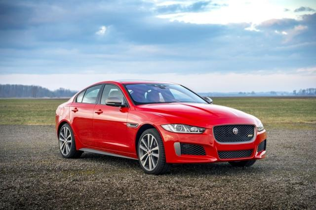 jaguar xe 300 sport. Black Bedroom Furniture Sets. Home Design Ideas