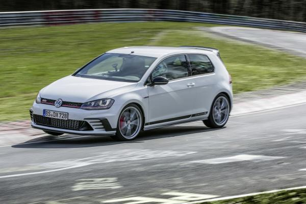 VW Golf GTi Clubsport S : nouveau record au Nurburgring ! (video)