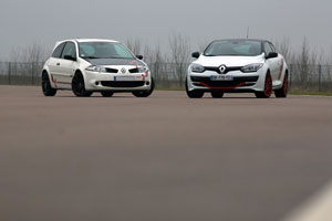match megane rs trophy r vs r26r