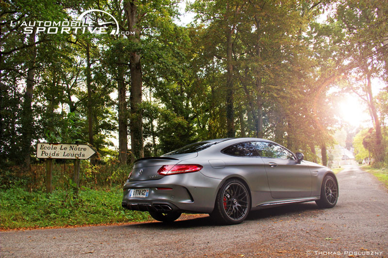 Photo MERCEDES-BENZ C 63S AMG COUPE mercedes_c63s_amg__01