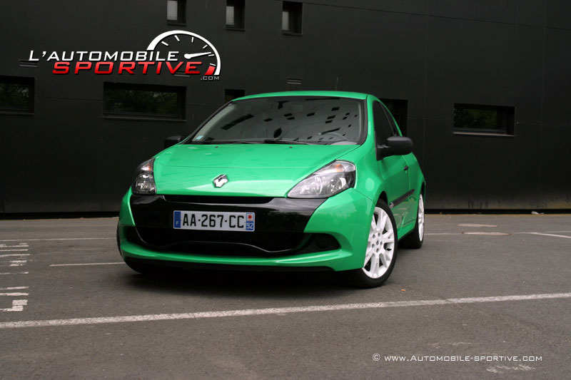 photo renault clio 3 rs cup clio 3 rs cup 09. Black Bedroom Furniture Sets. Home Design Ideas