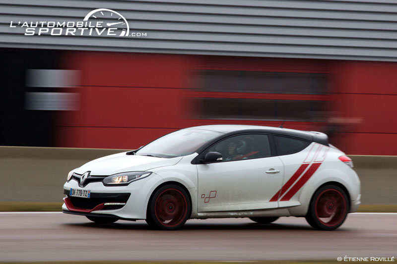 photo renault megane 3 rs trophy r vs r26r megane trophy r r26r 14. Black Bedroom Furniture Sets. Home Design Ideas
